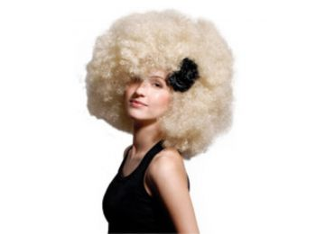 Hair Club Mega Afro mikrofon party paróka, szőke