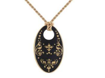 Fekete barokk ovális medál
