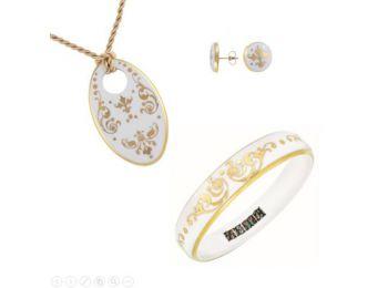 Fehér barokk ovális porcelán medál, bedugós fülbevaló