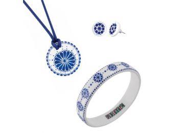 Kék fehér csipke porcelán kis kerek medál bedugós fülb