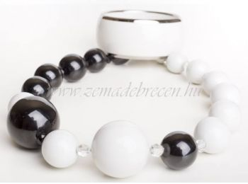 Fekete-fehér porcelán gombócos szett