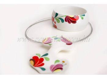 Rózsaszín és piros virágos porcelán matyó mintás szet