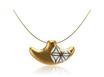 Bronzkori arannyal festett kis medál