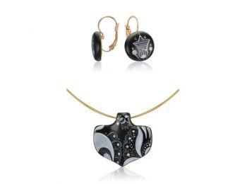 Fekete sárközi ásó alakú medál franciakapcsos fülbevalóval
