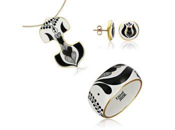 Fekete mintás sárközi dupla medál bedugós fülbevalóval és karkötővel