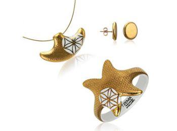 Bronzkori arany kis medál bedugós fülbevalóval és kark�