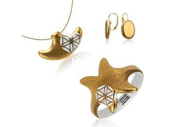 Bronzkori arany kis medál franciakapcsos fülbevalóval és