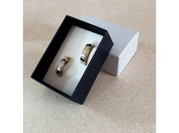 Ezüst színű karikagyűrűs doboz