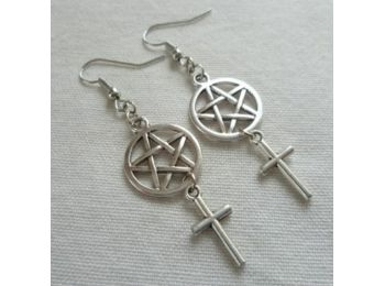 Pentagramos keresztes fülbevaló